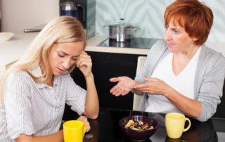 сложные отношения с мамой