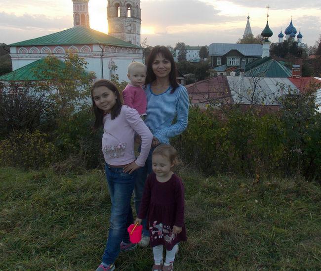 Эльвира Гарайшина и дочери